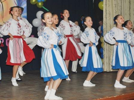 Румунський танець. Випуск-2012 р.