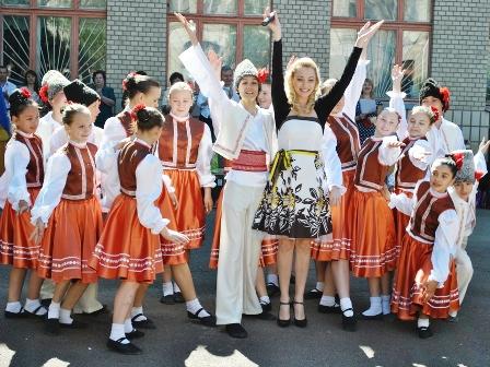 Іванна Неділенко та ансамбль «Алегро», Свято «Останній дзвоник», 27 травня 2011 р.